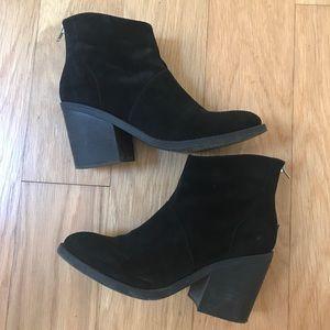 Steve Madden velvet black heeled booties